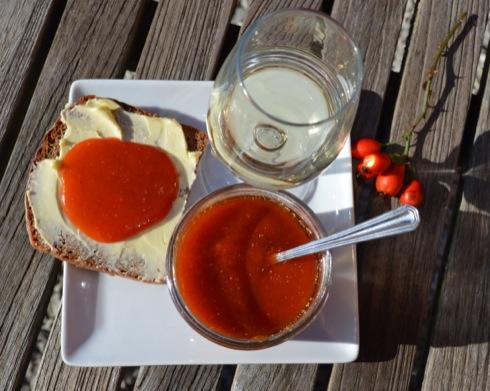 hagebutten marmelade vitamin c power fermentiert. Black Bedroom Furniture Sets. Home Design Ideas